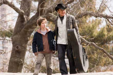 "FREDDIE HIGHMORE stars as August Rush and ROBIN WILLIAMS stars as Maxwell ""Wizard"" Wallace"