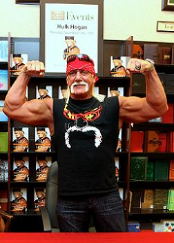 Hulk Hogan at his Barnes and Nobles book signing - Photo by Brad Kugler