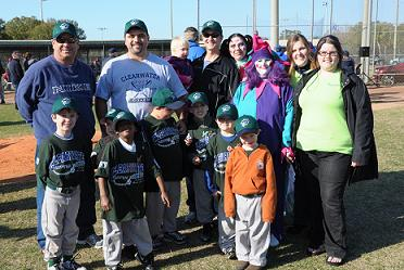 The Clearwater Community Volunteers with their adopted little league team – Photo by David Ziff