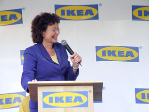 Tampa Mayor Pam Iorio praises the new IKEA store - Photo by Heidi Lux