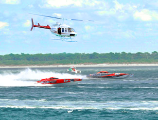 Aqua Mania and SoBe Entertainment race to place first at the Super Boat National Championships - Photp by Chris Connell