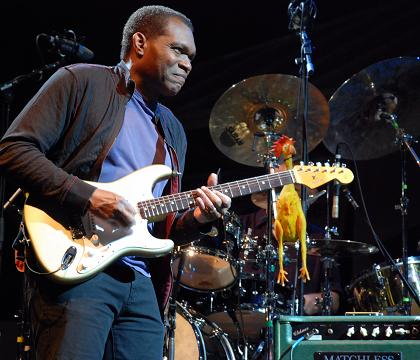The Robert Cray Band - Photo by www.starznbarz.com